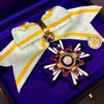 女性用の勲五等瑞宝章