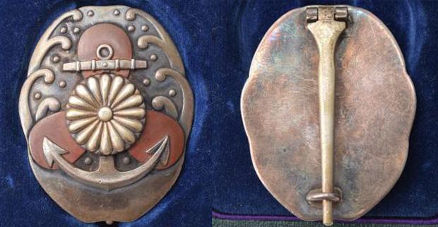 機関運転優等徽章と艦砲射撃優等徽章の価値と買取価格