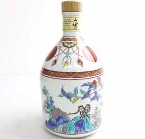 サントリー山崎12年有田焼ボトルウイスキーの価値と買取価格